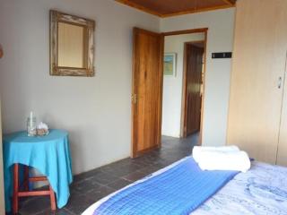 Lechwe Cottage - Main Bedroom